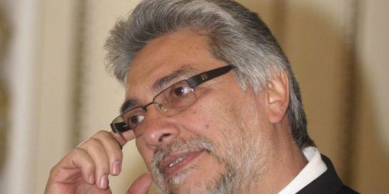 Fernando Lugo, le pesó la sotana
