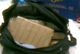 Liberados los pasajeros a los que metieron droga en la maleta