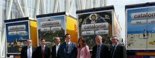 """Mas gasta 800.000 euros en escribir """"Catalonia"""" en camiones de empresas privadas"""