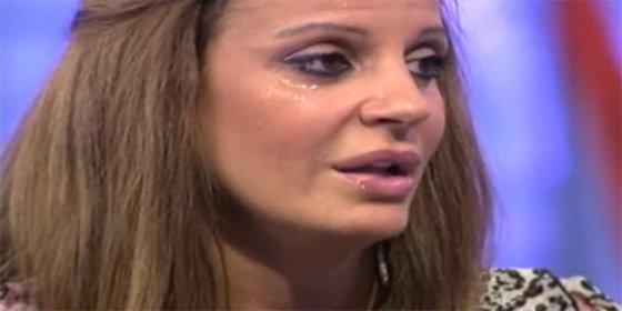 Sonia Monroy ('Supervivientes 2011') se despelota para apoyar a La Roja y nos descubre qué jugadores le ponen más