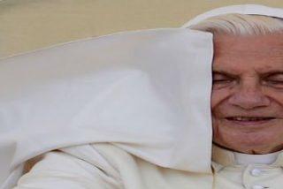 """Papa: """"La plegaria no es solamente el respiro del alma sino también el oasis de paz"""""""