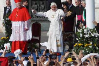 """Benedicto XVI, en Milán: """"Hay que volver a descubrir a la familia como un patrimonio de la humanidad"""""""