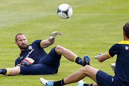 Los jugadores de Suecia afinan puntería con culo en pompa de Wiland