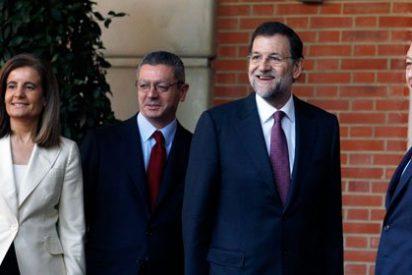 Raúl del Pozo cuenta que en el PP ya se trata de tontos a Rajoy y sus ministros