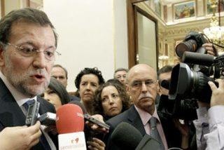 ¿Qué hace Rajoy cuando no quiere que los periodistas le molesten? Manda que los cerquen con vallas