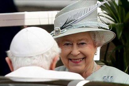 El Papa felicita a la reina Isabel II por su Jubileo de Diamantes