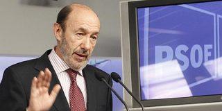 """Rubalcaba, obsesionado con el CIS, el """"chaconismo"""" y la capacidad de resistencia del Gobierno Rajoy"""