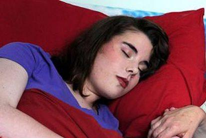 La 'Bella Durmiente' existe, se llama Stacey y tiene 15 años