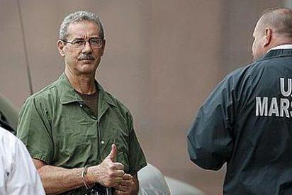 Meten 110 años de cárcel al multimillonario Allen Stanford
