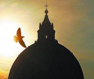 """Los """"cuervos"""", la Iglesia sobre la roca y la Curia sobre la arena"""