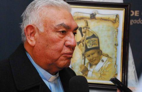 Monseñor Sigampa critica a Cristina Fernández por poner de rodillas a las provincias