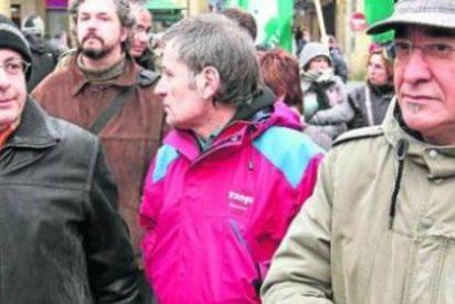 El facineroso de Bildu amenaza con pegar dos tiros a los hinchas de 'La Roja'