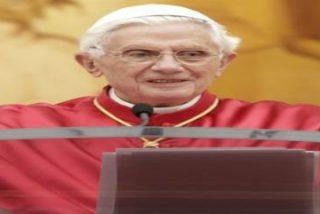 """El Papa está """"profundamente impresionado por la insensata matanza"""" de Denver"""