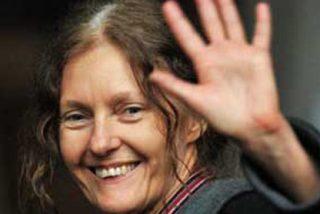 La madre de Assange asegura que la vida de su hijo corre peligro
