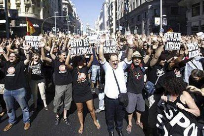 Los funcionarios cortan calles de Madrid e intentan acceder al Congreso