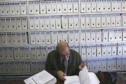 Los funcionarios solo recuperarán la extra si se cumple el déficit de 2015