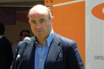 De Guindos habla como eurócrata, no como un ministro español