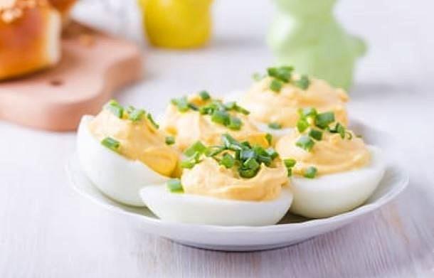 Receta de huevos rellenos ligeros