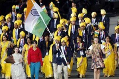 Sabemos quién es la misteriosa mujer que se 'coló' en el desfile olímpico de la India