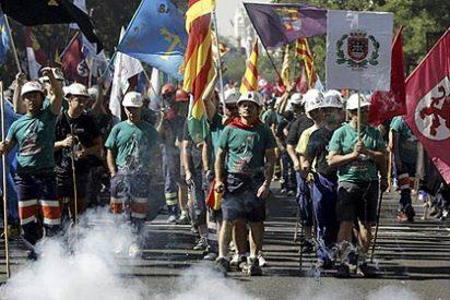 Los mineros culminan su marcha con una protesta en Industria