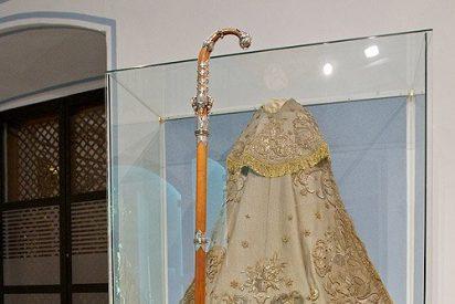 La familia del cardenal Tarancón dona su primer báculo episcopal