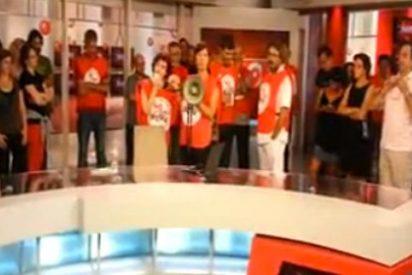 Interrumpen el Informativo de Canal 9 para protestar contra el despido de 1.295 empleados