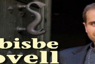 Novell llama la atención a tres jóvenes por llevar minifalda en misa