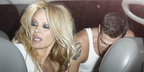 Pamela Anderson, borracha en la celebración de su regreso a la TV