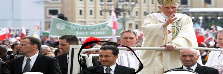 El exmayordomo del Papa podría tener tres cómplices laicos