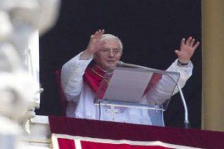 """El Papa denuncia que la sociedad actual """"quiere poner a la Iglesia por el suelo"""""""