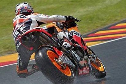 Pedrosa se impone a Stoner tras un pulso de infarto en Sachsenring