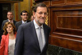 Rajoy sube el IVA del 18 al 21% y quita una 'extra' a los funcionarios