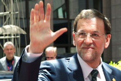 """Rajoy está 'absolutamente convencido' de los recortes, elogia la """"sensatez"""" Rubalcaba y critica a los medios"""