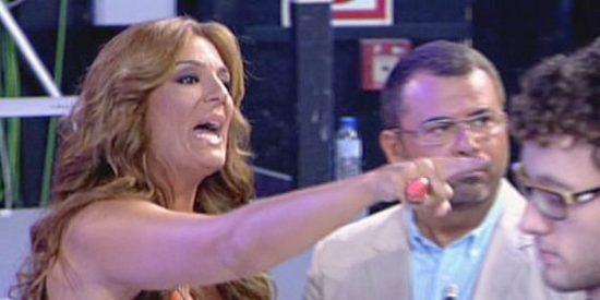 Chelo García Cortés y Raquel Bollo, protagonistas de una megabronca que pone los pelos de punta