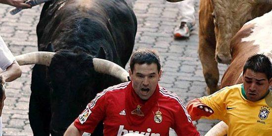 San Fermín: Accidentado y peligroso encierro de los toros de Domecq