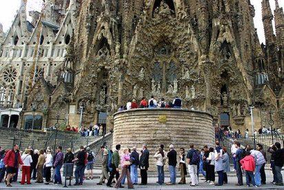 """La Sagrada Familia acoge este domingo su primera misa """"sólo para turistas"""""""