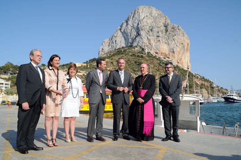 El Arzobispo bendice en Calp el nuevo centro de investigación marina de la UCV