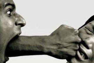 """Asenjo llama a actuar contra ante """"el alarmante incremento de las mujeres maltratadas"""""""