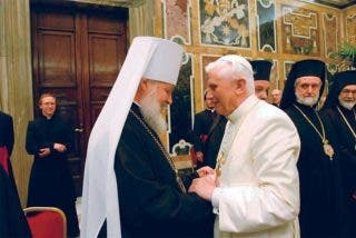 Benedicto XVI saluda el viaje del patriarca Kirill a Polonia