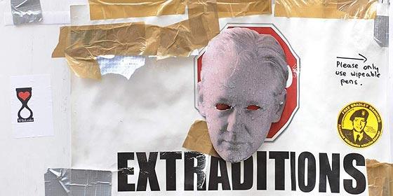 Ecuador denuncia que Reino Unido amenaza con 'asaltar' su embajada si no entrega al fundador de Wikileaks
