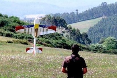 Planeaban una matanza lanzando veneno desde un avión de juguete teledirigido
