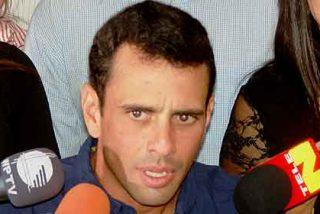 El opositor Capriles 'amenaza' al Gorila Chávez en las últimas encuestas