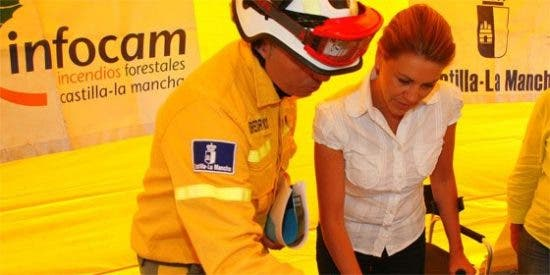 Cospedal valora la rapidez de actuación y los medios con los que se ha controlado el incendio de Cabañeros