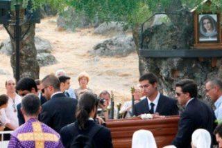 Amparo Cuevas enterrada en Prado Nuevo