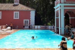 La 'banda' de Gordillo asalta un hotel de lujo y se baña en la piscina