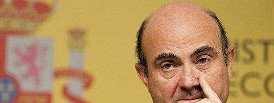 """De Guindos pide una intervención del BCE """"contundente y sin límite previo"""""""