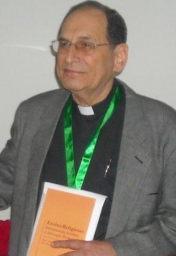 Un sacerdote, acuchillado en plena misa