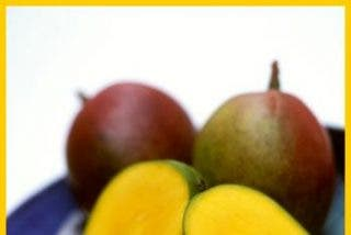 Postres soleados: crema de mango con mascarpone, leche de coco y canela