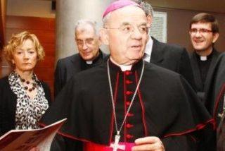 """Fratini: """"En la Iglesia también pasamos nuestros problemas"""""""