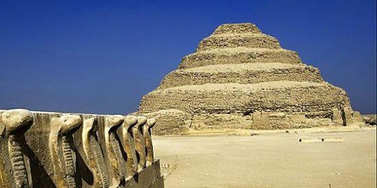 Descubren dos pirámides nuevas en Egipto gracias a Google Earth